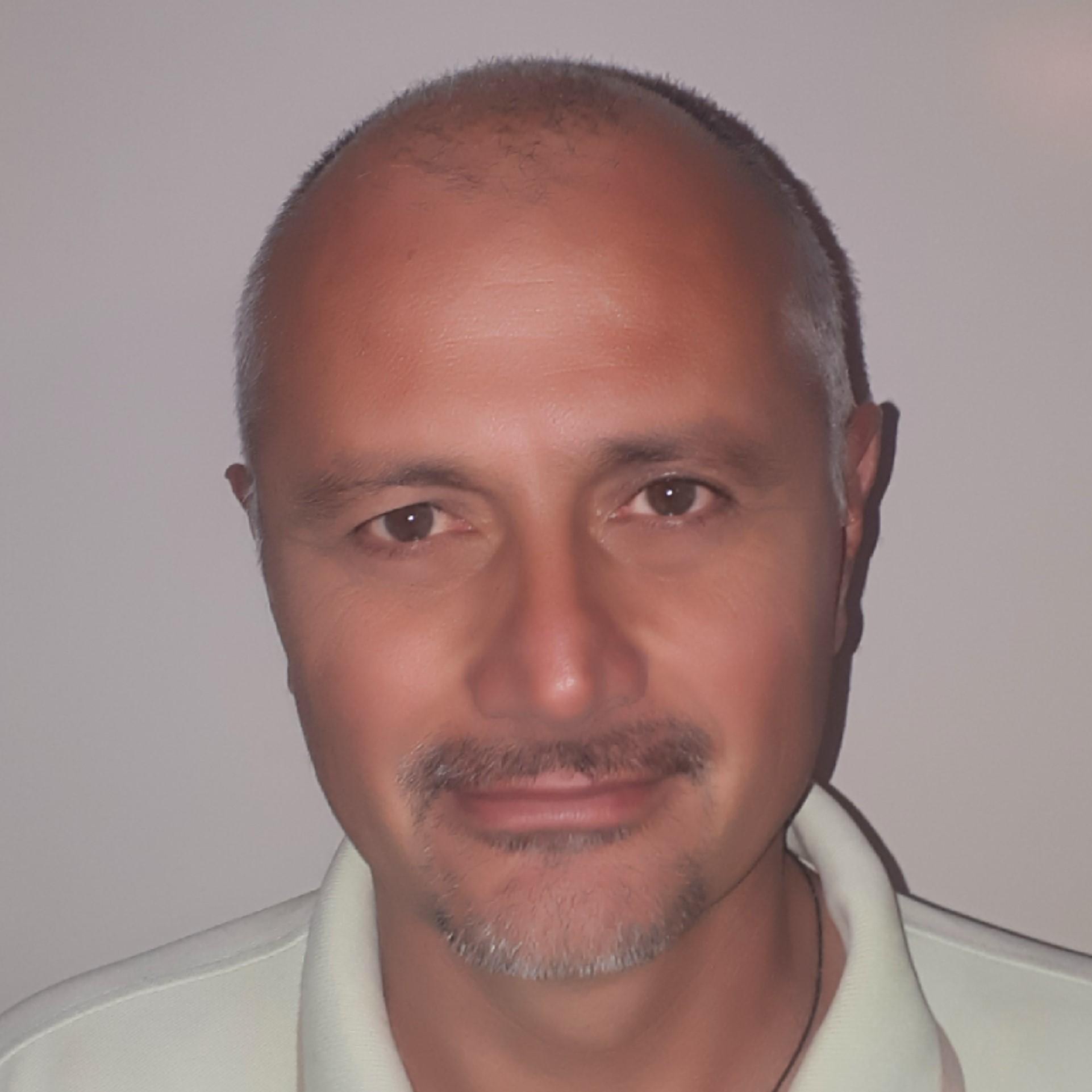 dr Bojan Gajić